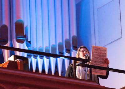 Gesang von der Orgeltribüne