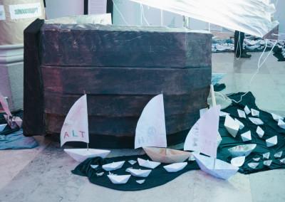 ausstellung-ankommen-papierboote-auf-kurs