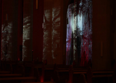 """Szenenbild aus der Installation """"Wo finde ich das Paradies?"""" 4"""